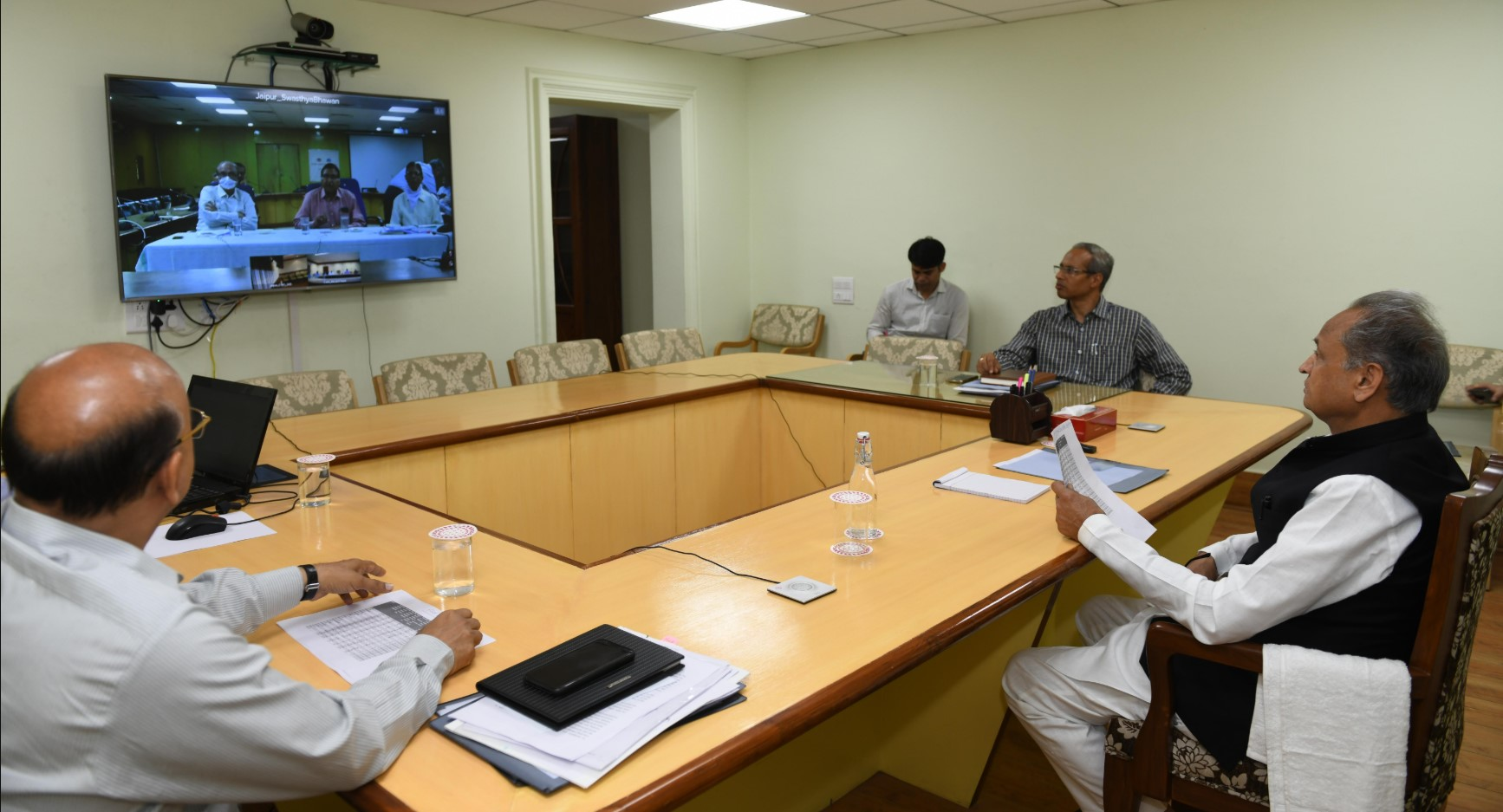Video conferencing on Corona arrange for adequate quantity of ventilators and test kit – CM 5