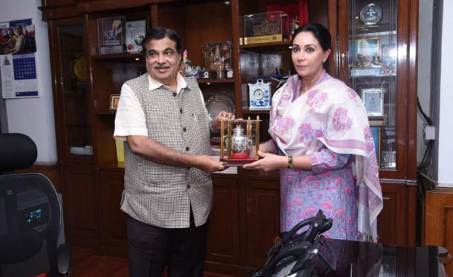 MP Diya Kumari with Union Minister Nitin Gadkari.